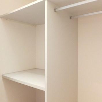 廊下部分にも収納があります。