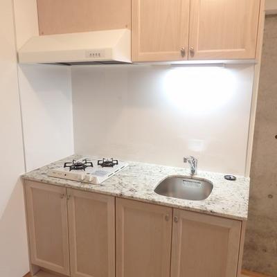 キッチンはとっても高級感があります ※写真は別部屋です