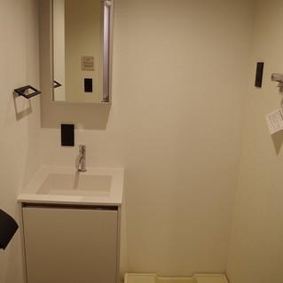 洗濯機置き場も充分あります♪※写真は別部屋