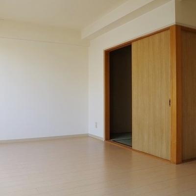 13.5帖のお部屋です