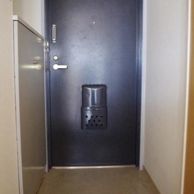 玄関には下駄箱も!