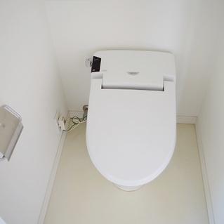 ウォシュレット付のトイレですよ!