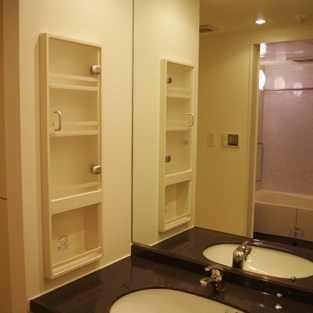 独立洗面台もシンプルでかっこいいですね