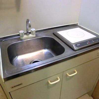 洗面所はキッチンと兼用です
