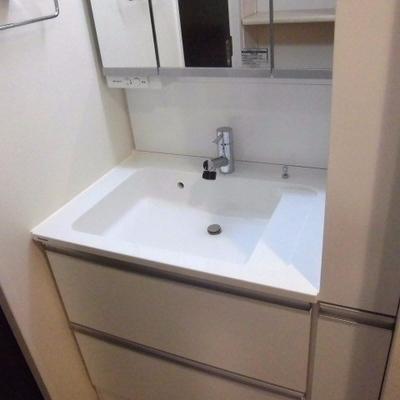 つかやすそうな洗面台