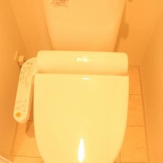 床の柄がカワイイトイレ