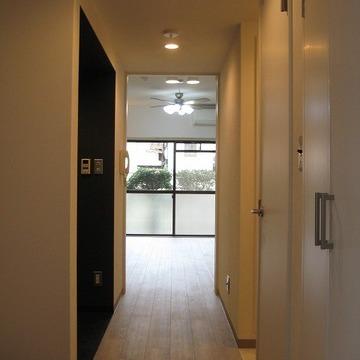 明るい玄関。