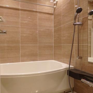 お風呂は巨大な16タイプ