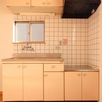 キッチンは置き型ガスコンロ