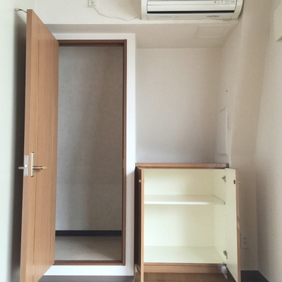 収納もあり、エアコンもあり。