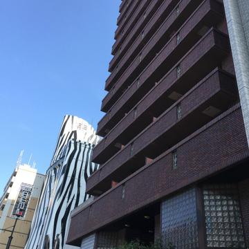 16階建てのマンション。