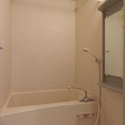 浴室乾燥機能のついたバスルーム