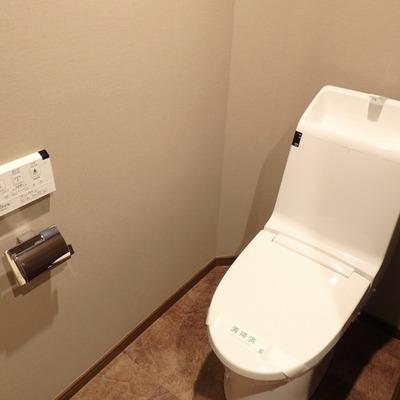 シンプルでかっこいいトイレ。