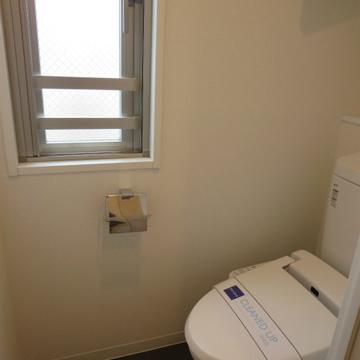 トイレに小窓があって良いです
