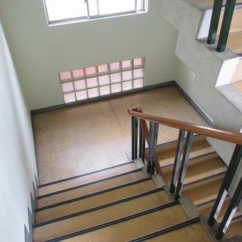 学校みたいな階段!わくわくするぅ~