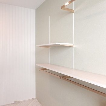2階の片側には、書斎?ドレス?収納のスペースがあります。
