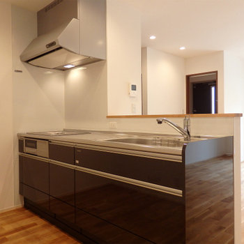 IH3口のキッチン