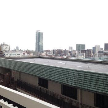 港町神戸を一望できます。