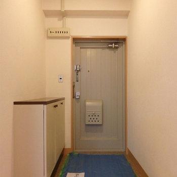 レトロな扉。
