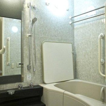 お風呂です。浴室乾燥できます