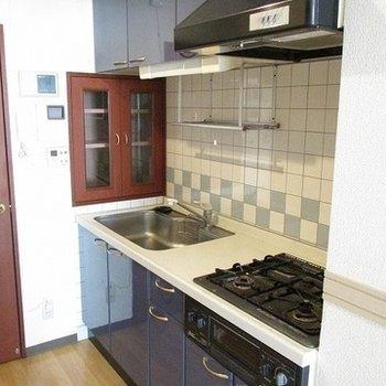 キッチンがいい感じです。色とサイズ!