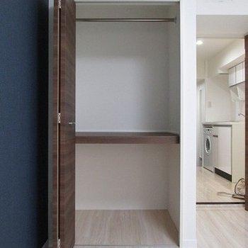 収納スペースは奥行があって広い。