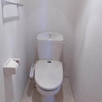 トイレはウォシュレット付き。嬉しいポイント!