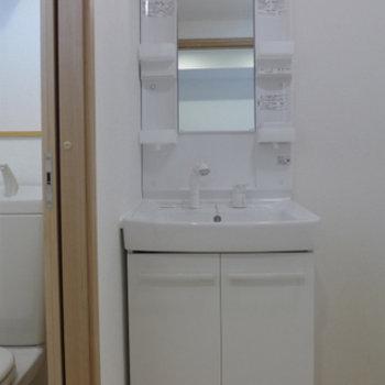 独立洗面台も、使い勝手が良さそう!