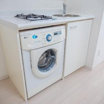 なんとドラム式洗濯機設置済み!