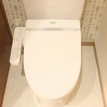 トイレの壁もアクセント