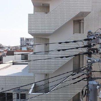 眺望はこちら。電線とちょっと近いですね。