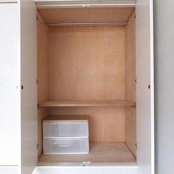 収納は押入れなみの奥行があります。※写真は別部屋です