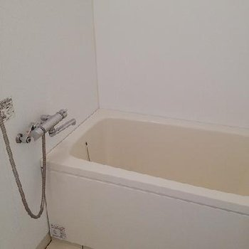 お風呂もきれいです ※写真は別部屋
