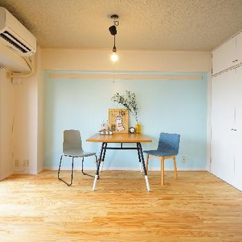 4人掛けのダイニングテーブルを置いても余裕のある空間です!