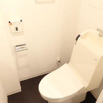 トイレは手洗い機能付き