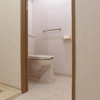 トイレはもちろん個室。