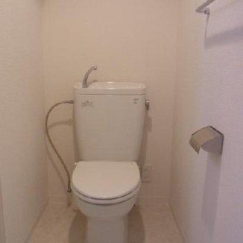 トイレ※写真は別タイプのお部屋です。