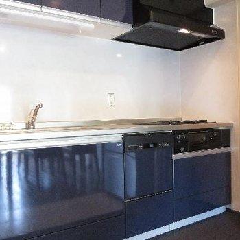 食器洗浄機がついたシステムキッチン!