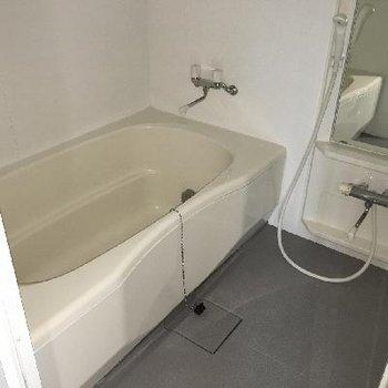 4階には大きなお風呂があります