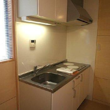 すっきりとつかえそうなキッチン※写真は別のお部屋です