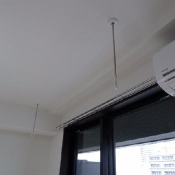 室内にも物干しユニットがありますよ。雨の日に嬉しいですね。