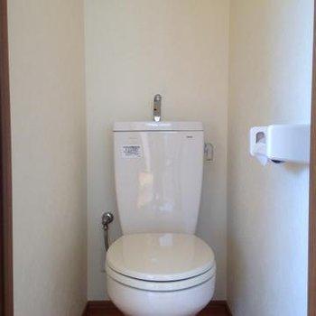 ウォシュレットは付いていませんが、キレイなトイレです。