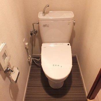 トイレはもちろん個室!