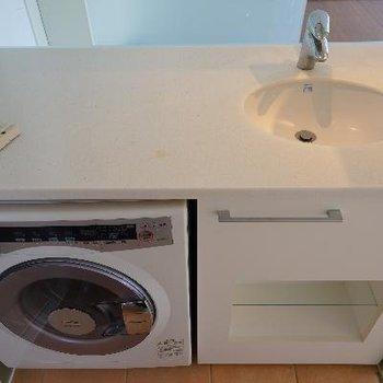 洗濯機付の洗面台!
