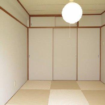 清潔感ある和室ですね!