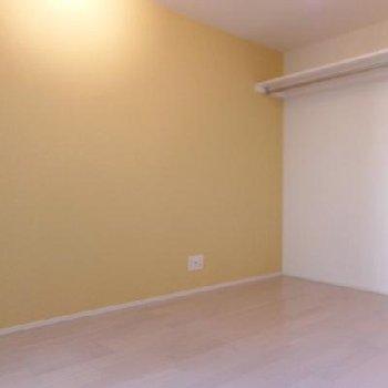 お部屋は6帖ほどのワンルームです。※写真は別部屋