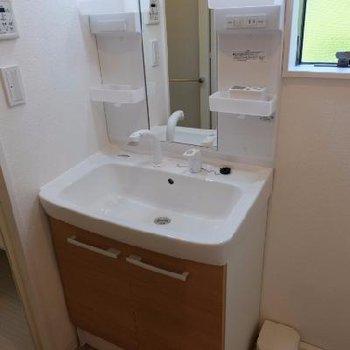 洗面台も使いやすい大きさ。