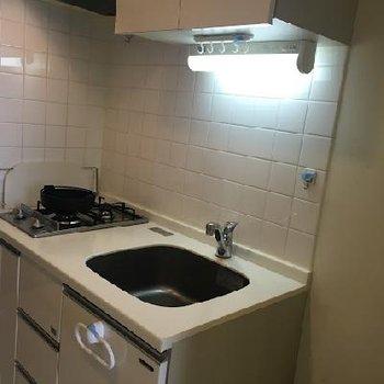 キッチンは使いやすい2口ガスコンロ