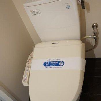 トイレはウォシュレットもちろんついてます。※写真は別部屋