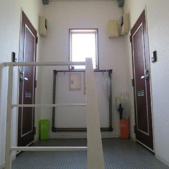 玄関ドア前はこんな感じ
